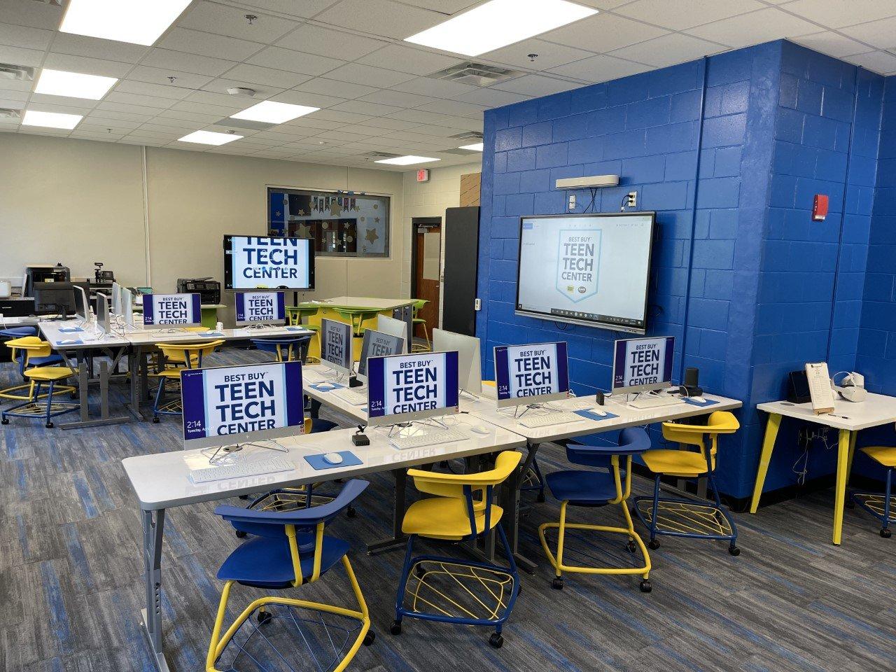 Photo of the Joe R Lee Best Buy Teen Tech Center